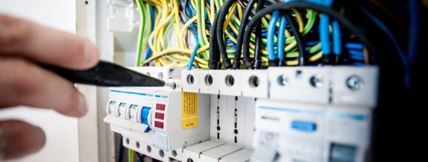 Teletrabajo: el tiempo de los cortes de luz o internet deben computar como trabajado