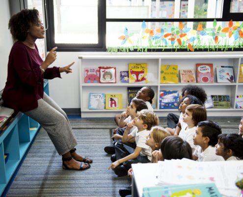 deducciones en el 2021 por los gastos en guardería, material escolar, libros de texto